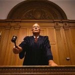Подают ли микрофинансовые компании в суд при неоплате долга?